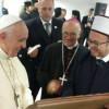 Dhurata e Komunitetit Mysliman Shqiptar për Papa Françeskun
