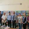 """""""Një Libër për Tuzin"""" – Gjimnazi i Tuzit pasurohet me 280 libra"""