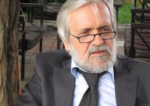 Akademik Mehmet Kraja