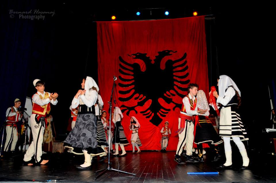 Ansambli Shqiponja koncer 22 prill 2014 -04