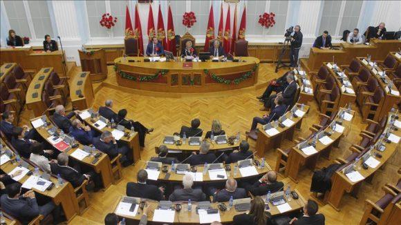 parlamenti-malazez-cetine