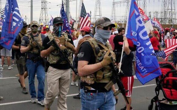 Suportues të armatosur të Presidentit Trump,